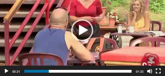 скачать видео розыгрыши над людьми