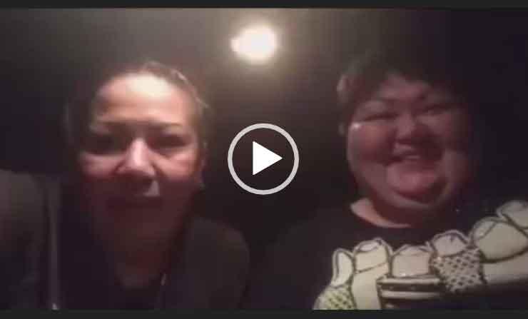 Музыкальная пародия двух женщин. Скачать видео приколы бесплатно.