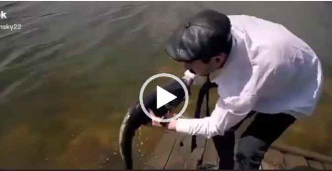Приколы на рыбалке смешное видео.