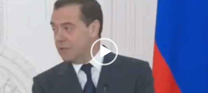 Медведев про новый год. Интересное видео.